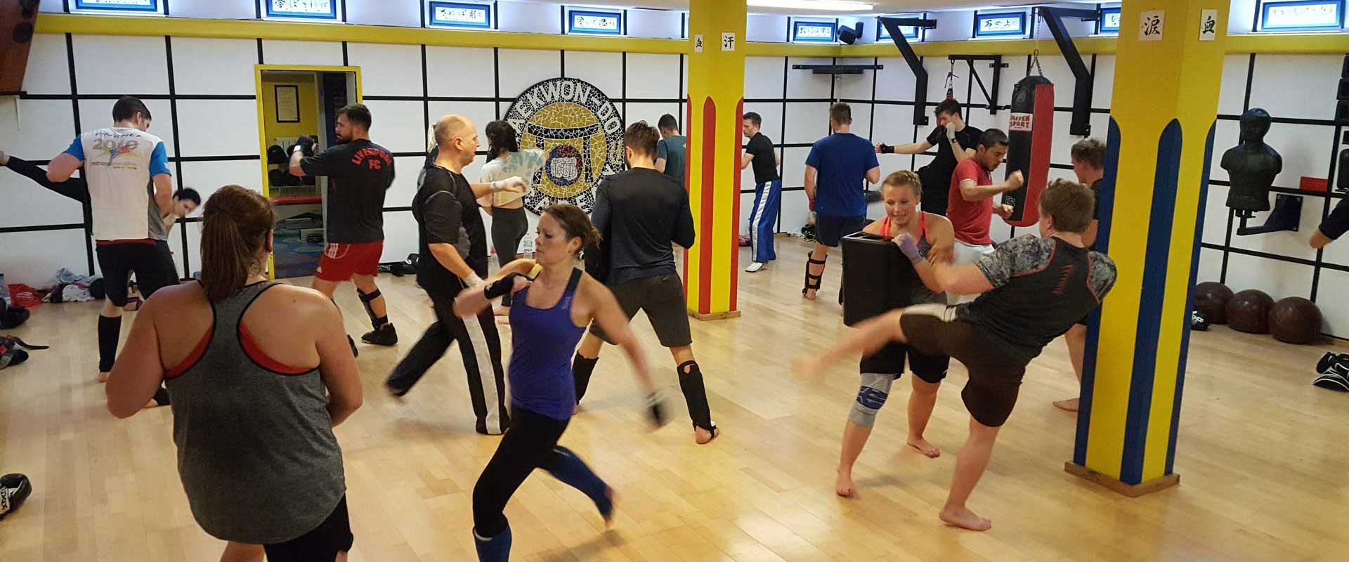 Kickboxen in der Taekwon-Do Academy